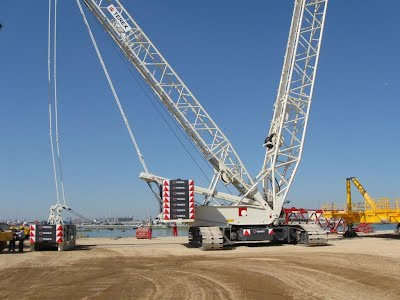 http://wwwen.crasrl.it/_/rsrc/1424770474307/vendita/autogru-e-gru-semoventi-portuali-vendute/all-terrain-cranes-and-mobile-harbour-cranes-sold---3/IMG_0711.jpg?height=300&width=400